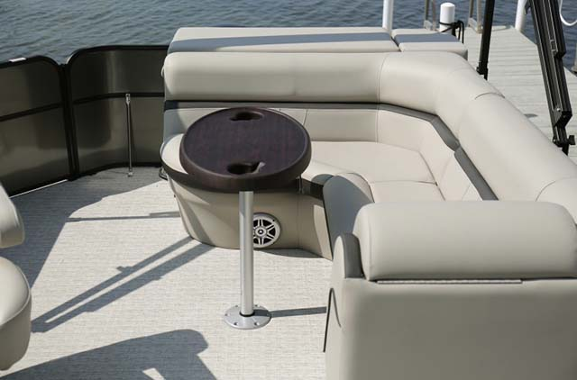 Pontoon 200hp​ 3